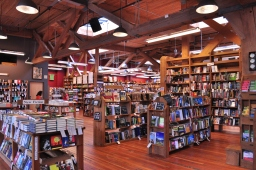 Elliott_Bay_Books_(Capitol_Hill)_interior_01